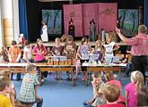 Theaterveranstaltungen im der Turnhalle der Grundschule Ruderting